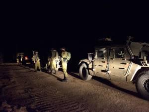 Militares en la oscuridad