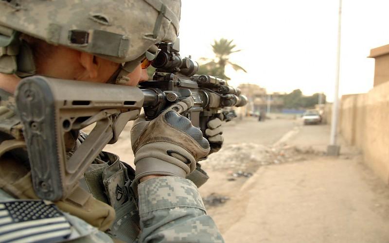 Los complementos militares que siempre han de estar presentes