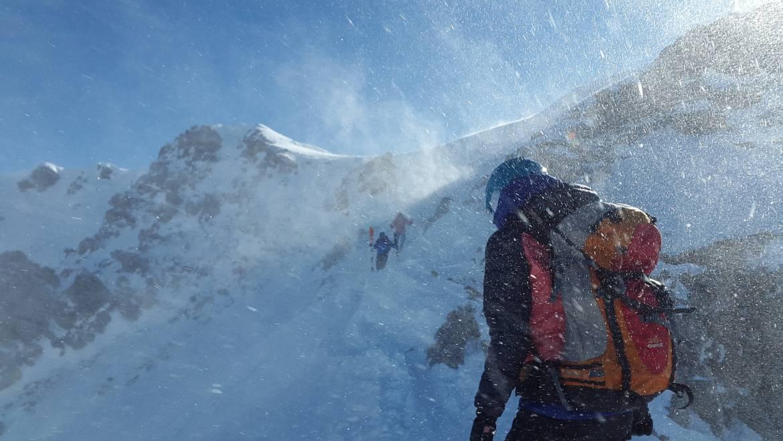 ¿Cómo combatir el frío en una misión?