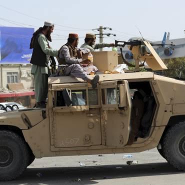 El equipamiento militar estadounidense en manos de los talibanes